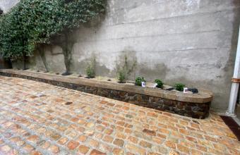 aménagement de jardinière en pierre